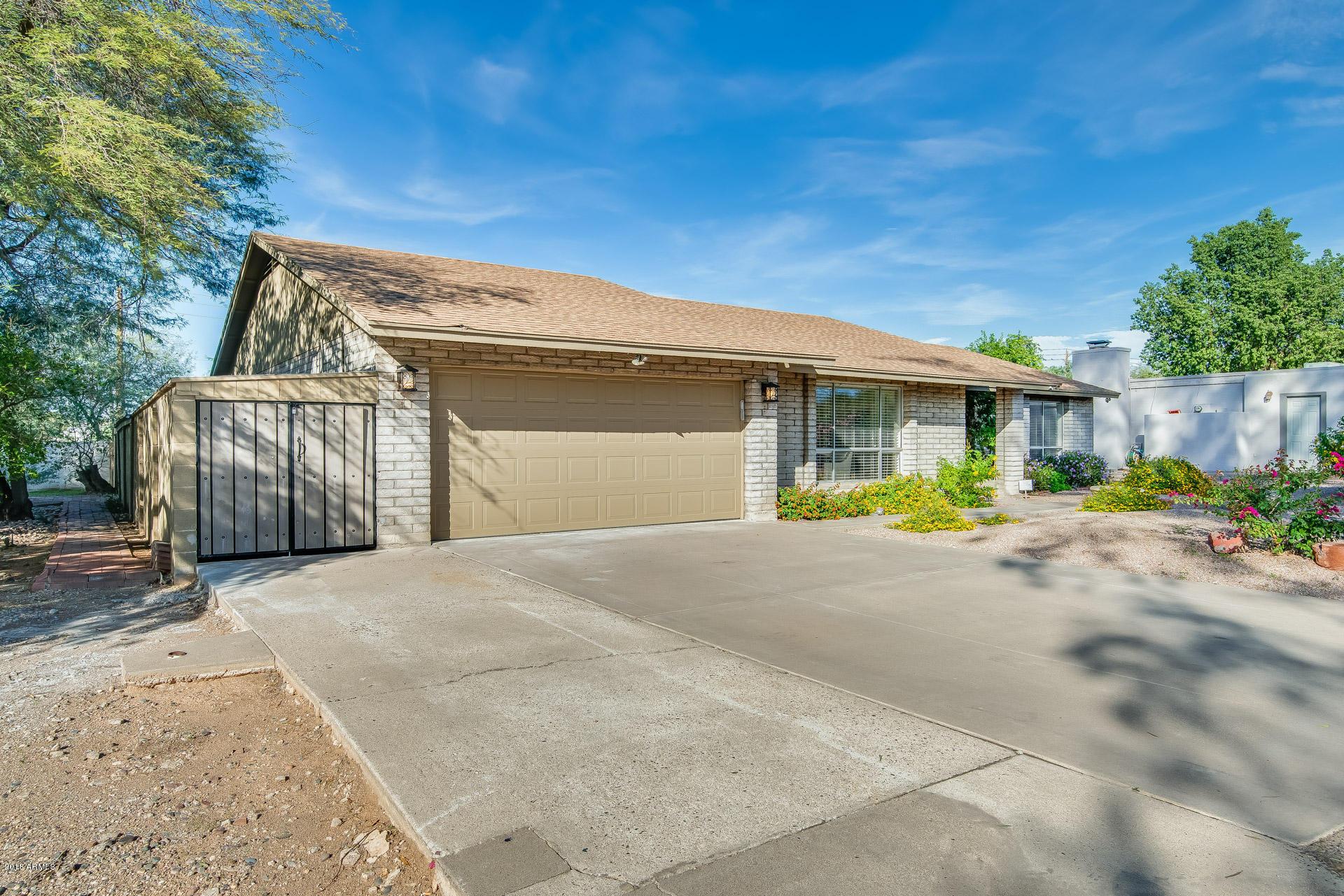 Photo of 1034 E VILLAGE CIRCLE Drive #N, Phoenix, AZ 85022