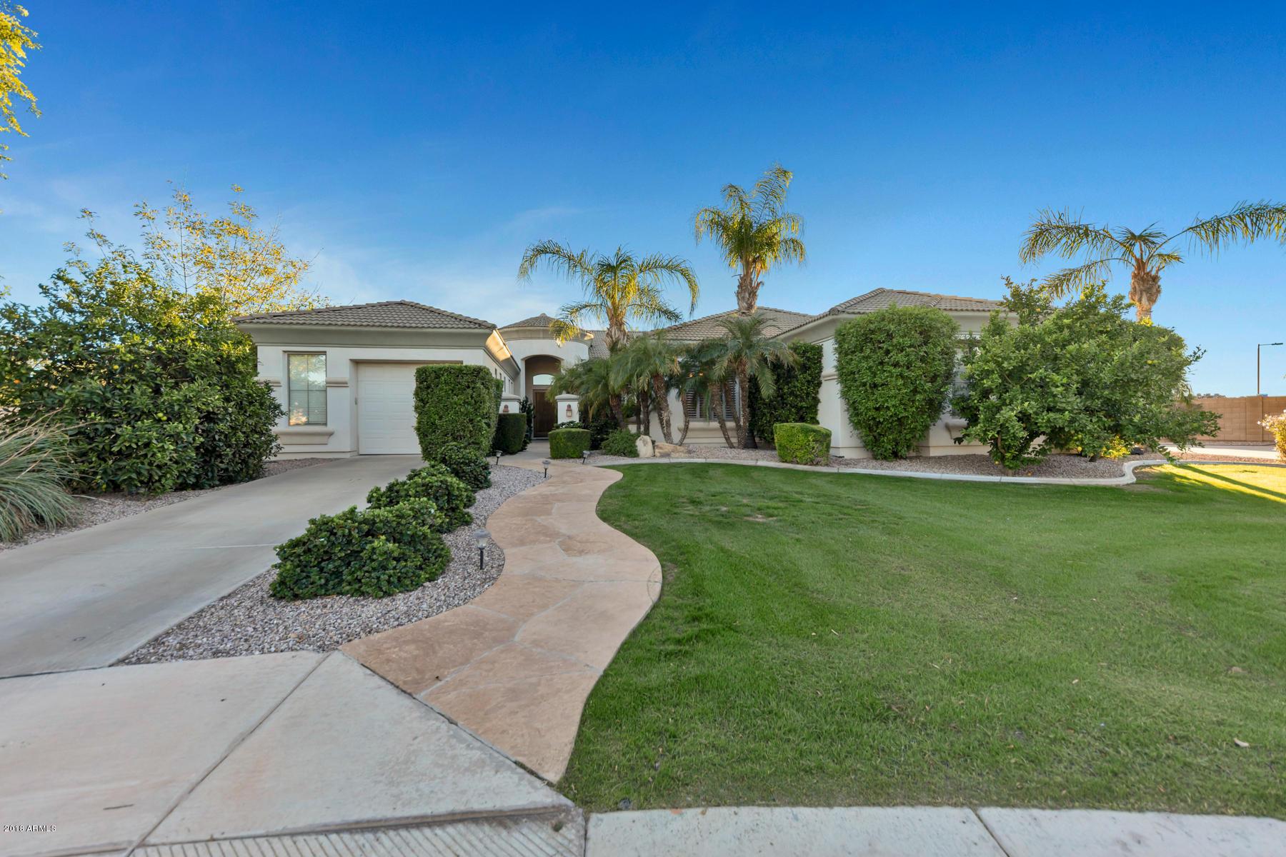 Photo of 3909 E FAIRFIELD Circle, Mesa, AZ 85205