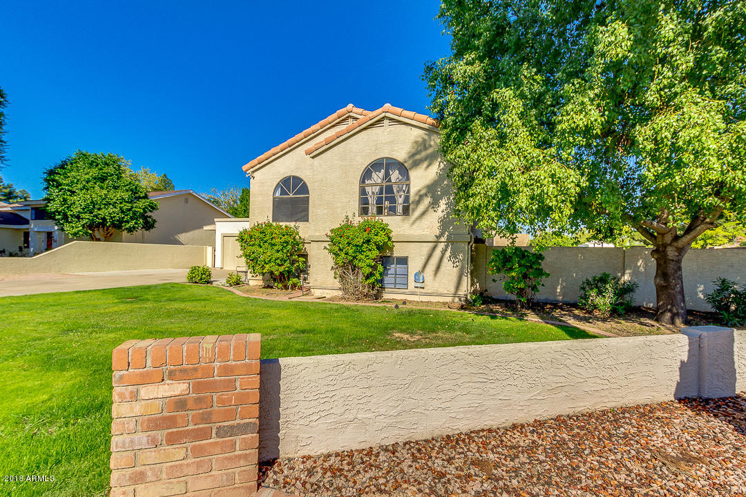 Photo of 606 W CABALLERO Circle, Mesa, AZ 85201