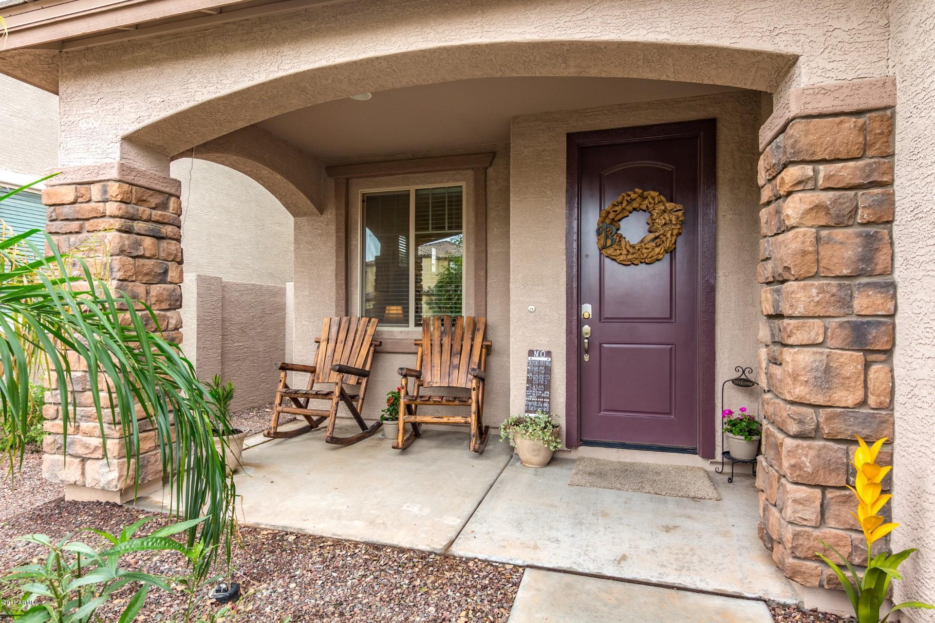 Photo of 3945 E NARROWLEAF Drive, Gilbert, AZ 85298