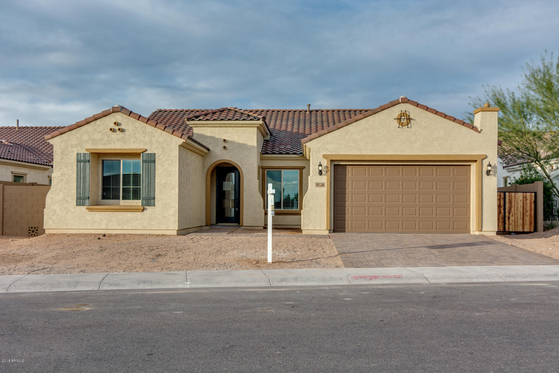 Photo of 10728 E ELLIS Street, Mesa, AZ 85207