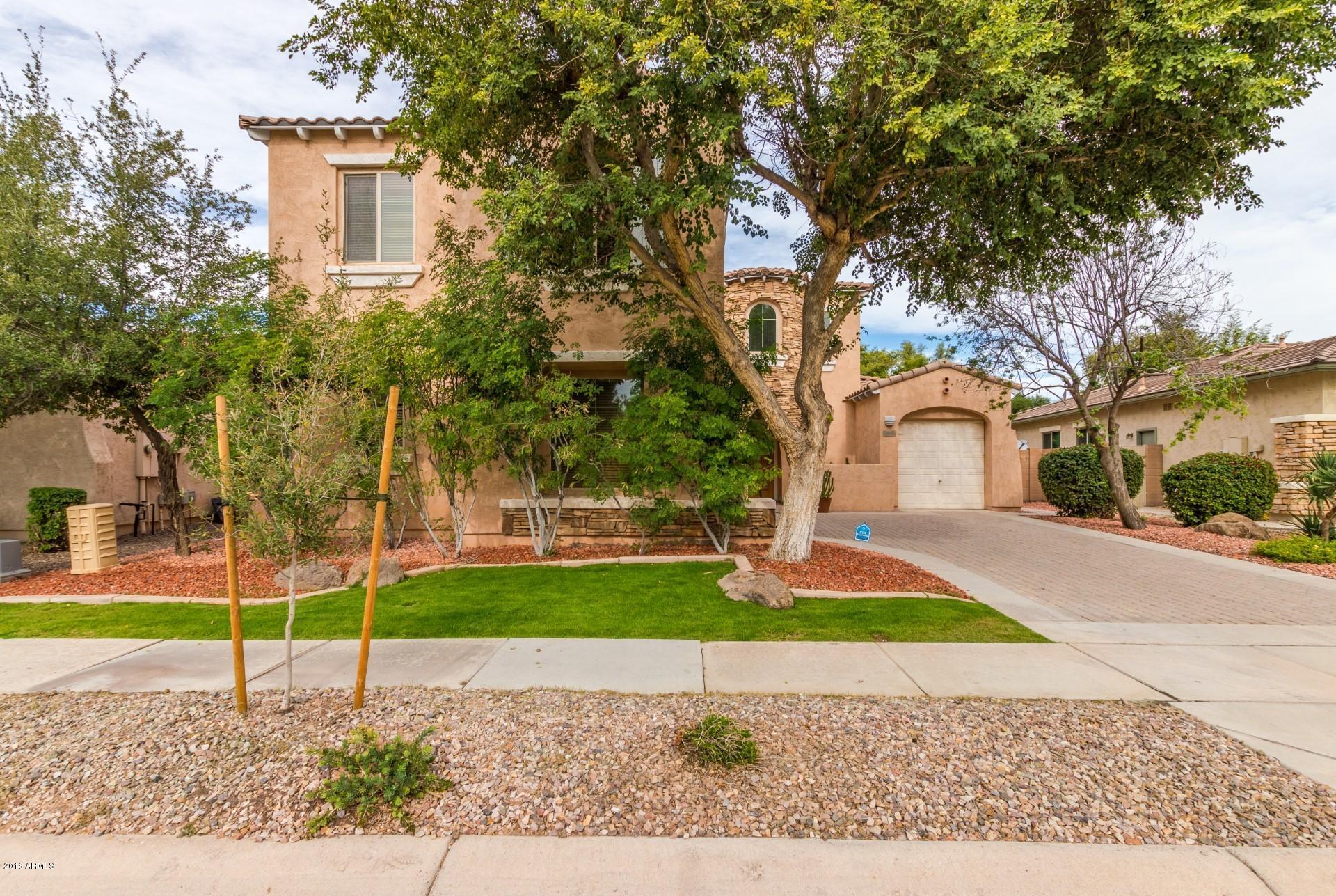 Photo of 848 E TORREY PINES Place, Chandler, AZ 85249