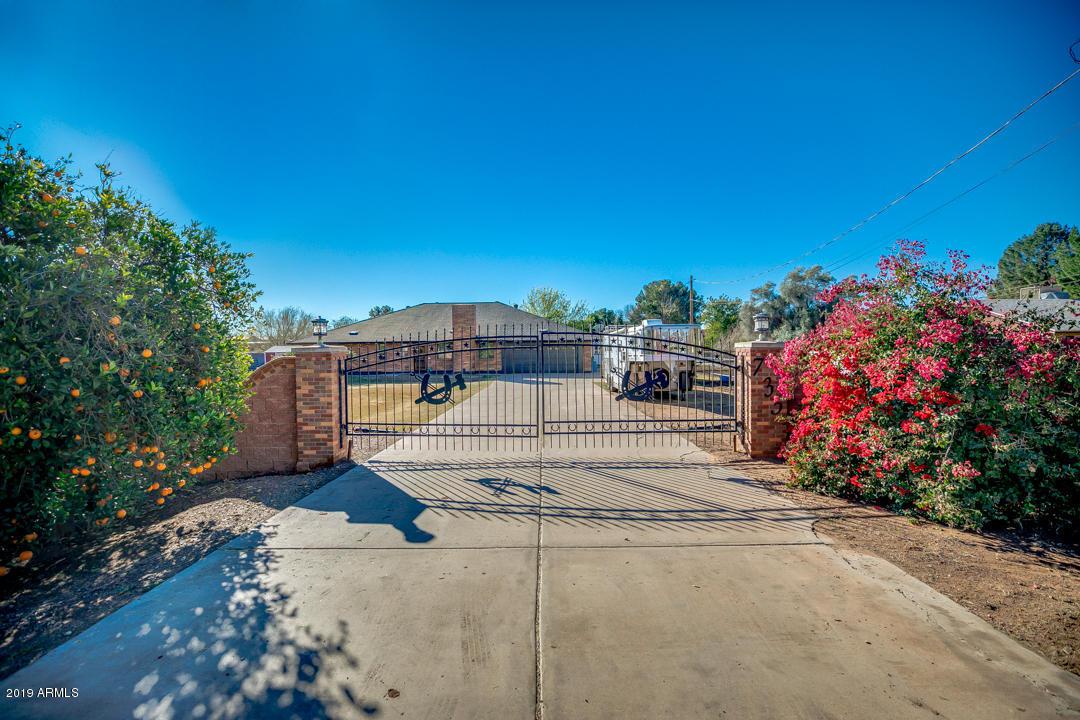 Photo of 735 E LEHI Road, Mesa, AZ 85203