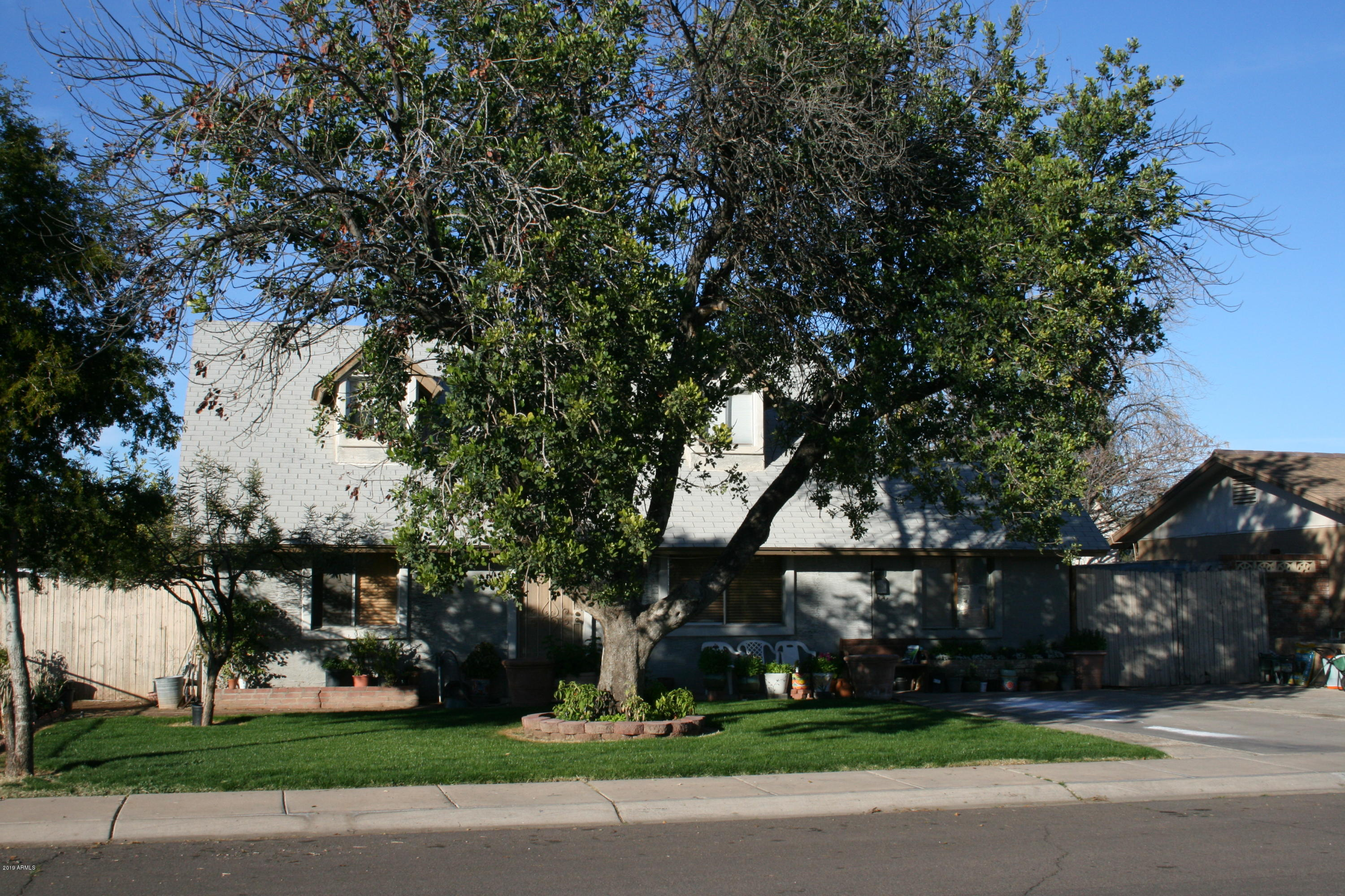 Photo of 814 E OAKLAND Street, Chandler, AZ 85225