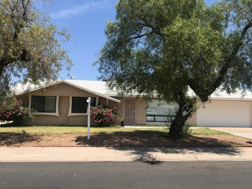 Photo of 1828 W LAWRENCE Lane, Phoenix, AZ 85021