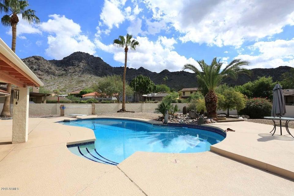 Photo of 2303 E ORANGEWOOD Avenue, Phoenix, AZ 85020