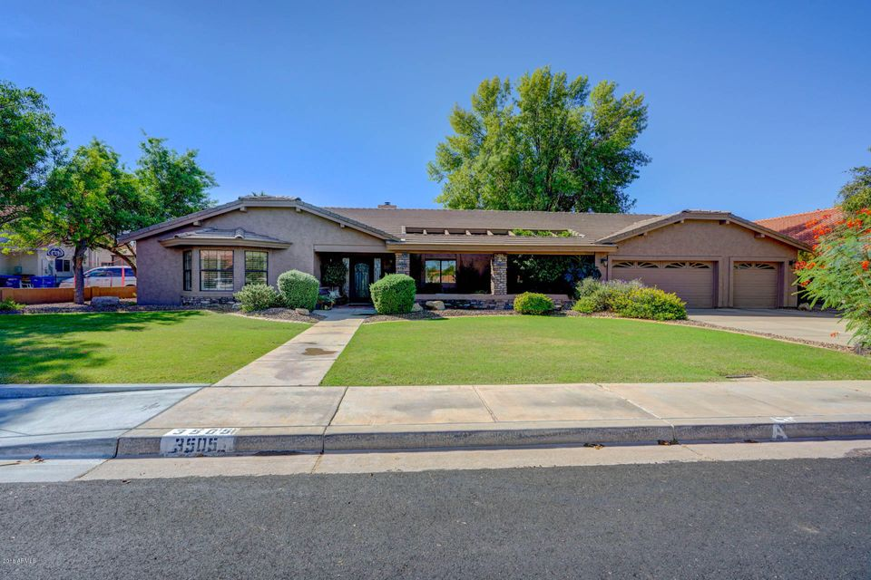 Photo of 3505 E DOWNING Circle, Mesa, AZ 85213