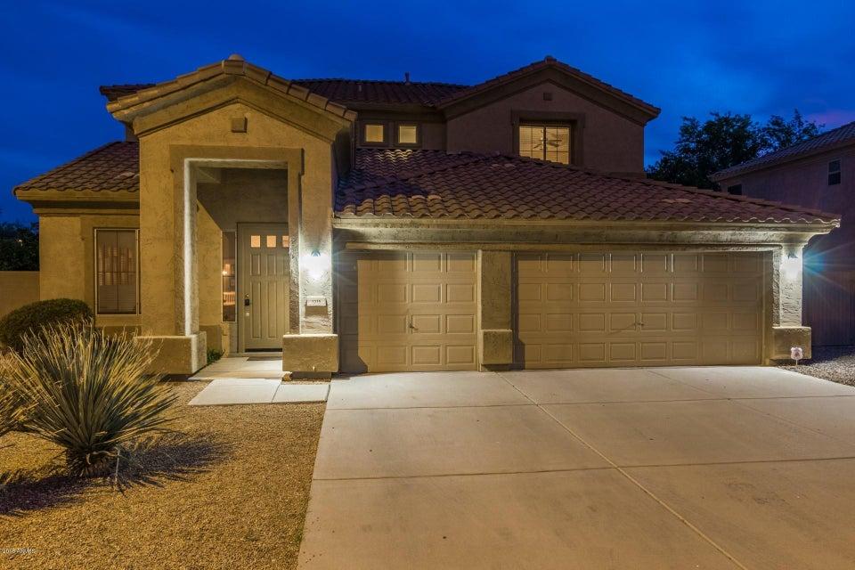 Photo of 1215 W REMINGTON Drive, Chandler, AZ 85286